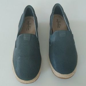 Collection by Clarks ultimate comfort shoes size 9